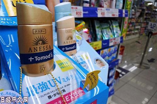 药妆店热销商品。(《日本经济新闻》网站)
