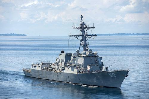 """资料图:美国海军""""马斯汀号""""驱逐舰"""
