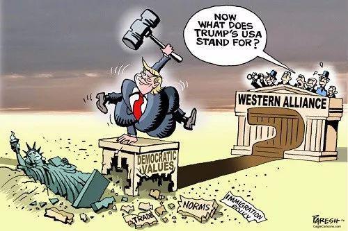 """▲[特朗普挥锤自毁美国招牌]特朗普挥舞着大锤,将自由女神像、""""贸易条款""""、""""移民政策"""",乃至""""民主价值观""""底座统统砸烂,在一旁观看的西方盟友惊呼:""""现在特朗普的美国还代表啥?""""(英国《一周》杂志网站)"""