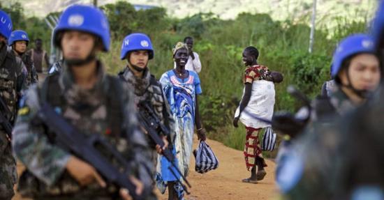(在南苏丹执行维和任务的中国军人。)