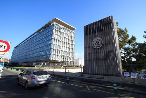 资料图:瑞士日内瓦的世界卫生组织总部大楼。 新华社记者徐金泉摄