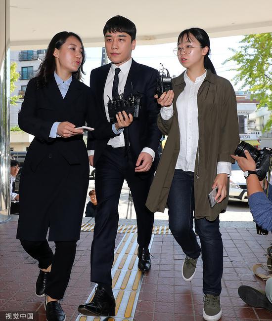 9月24日,成功现身警局。
