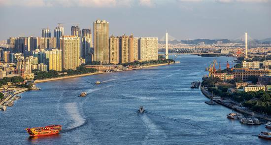 《畅游珠江》拍摄时间:2018年5月30日 拍摄地点:黄沙码头