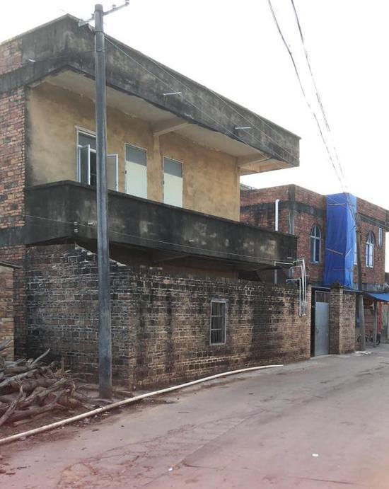 村民家的老房子
