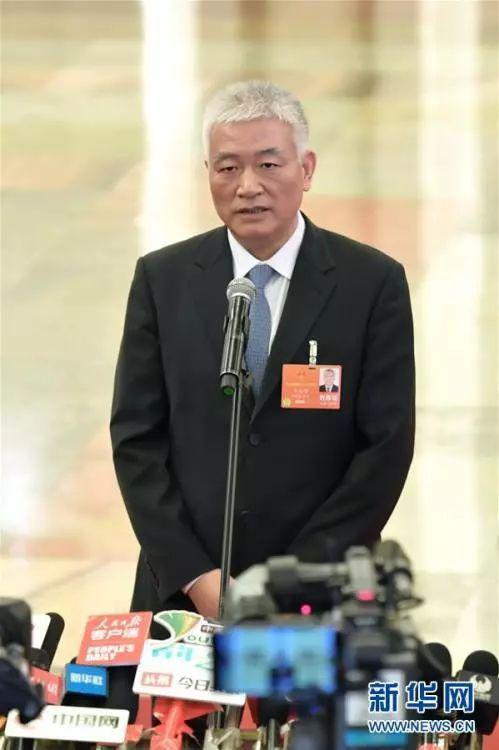"""科学技术部部长王志刚在""""部长通道""""接受采访"""