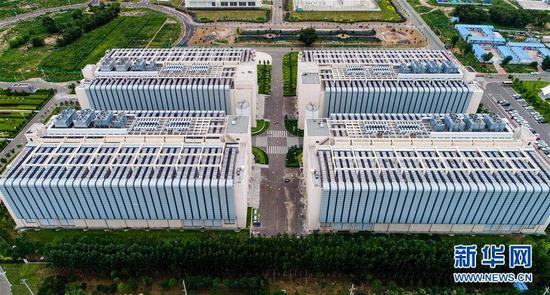 中国电信云计算内蒙古信息园。(图片来源:新华社)