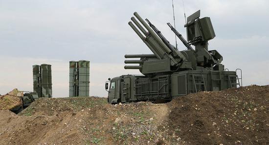 图为俄罗斯铠甲-S1防空系统。(来源:俄罗斯卫星网)