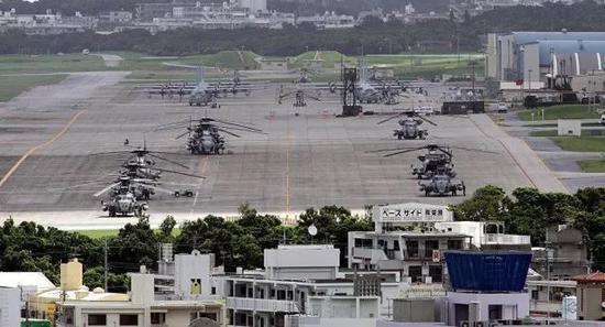 ▲普天间基地跑道停机区画面
