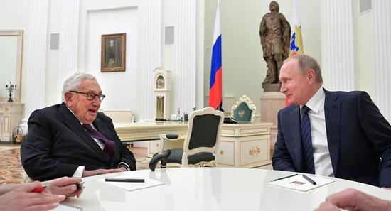 2017年6月29日,普京会见基辛格。
