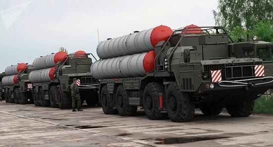 俄国防部曝光S-400设备运往土耳其画面