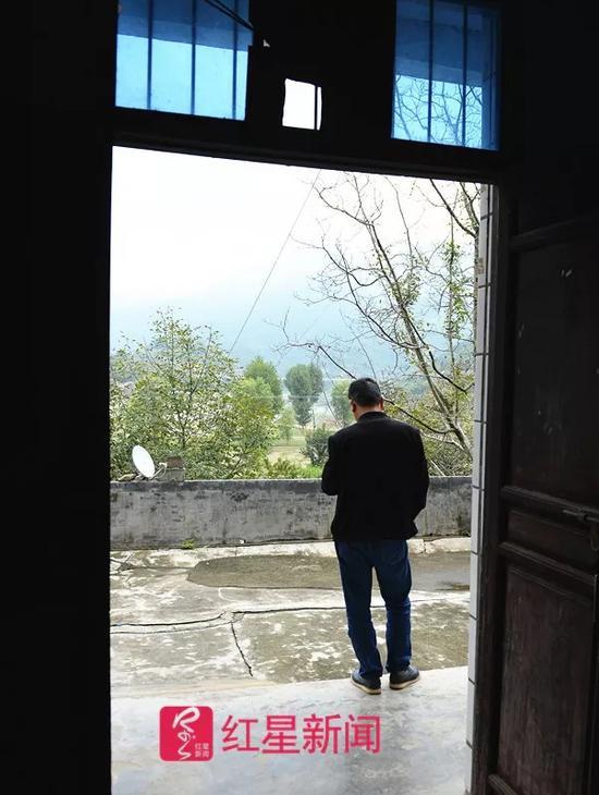 ▲9月14日,在陕西宁强老家的于建林。