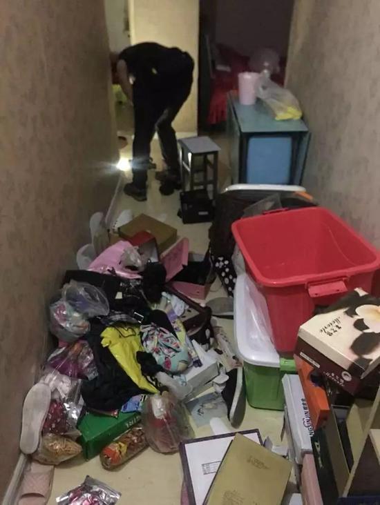 张某伪造的家中被盗现场。警方供图