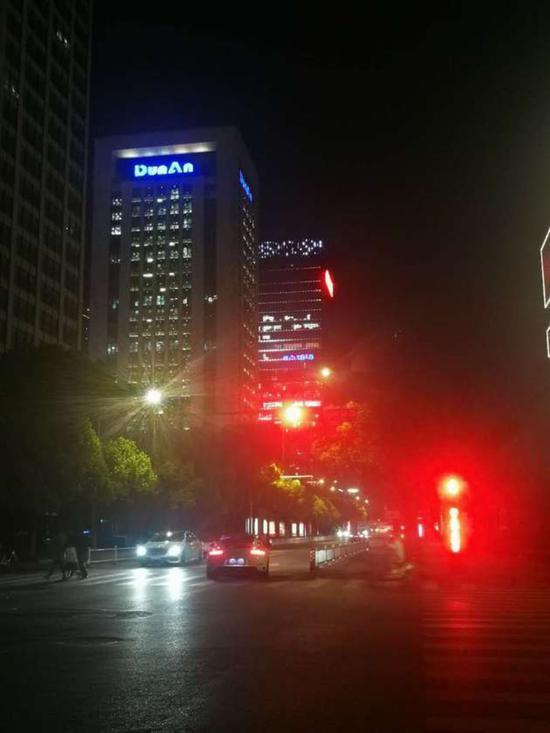 ▲杭州盾安大厦 每经记者 于��峰 叶晓丹/摄影
