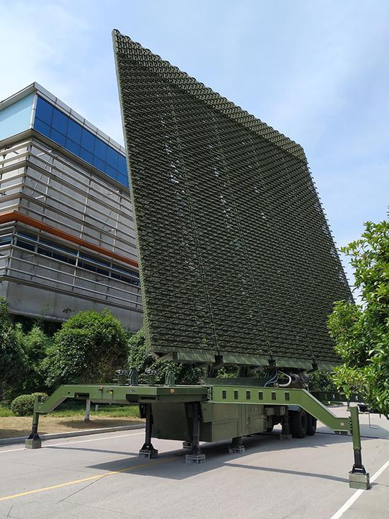 YLC-8B雷达,具有很强的反隐身能力。本文图片 澎湃新闻记者 谢瑞强 图