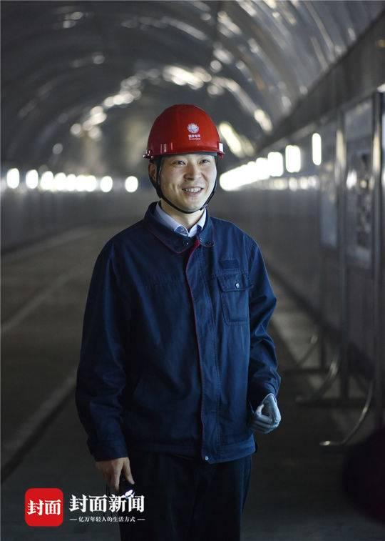 2018年5月8日,四川映秀湾电站,马元江前往检查水电站安全。汶川地震时,他被埋了100多个小时,最终获救。