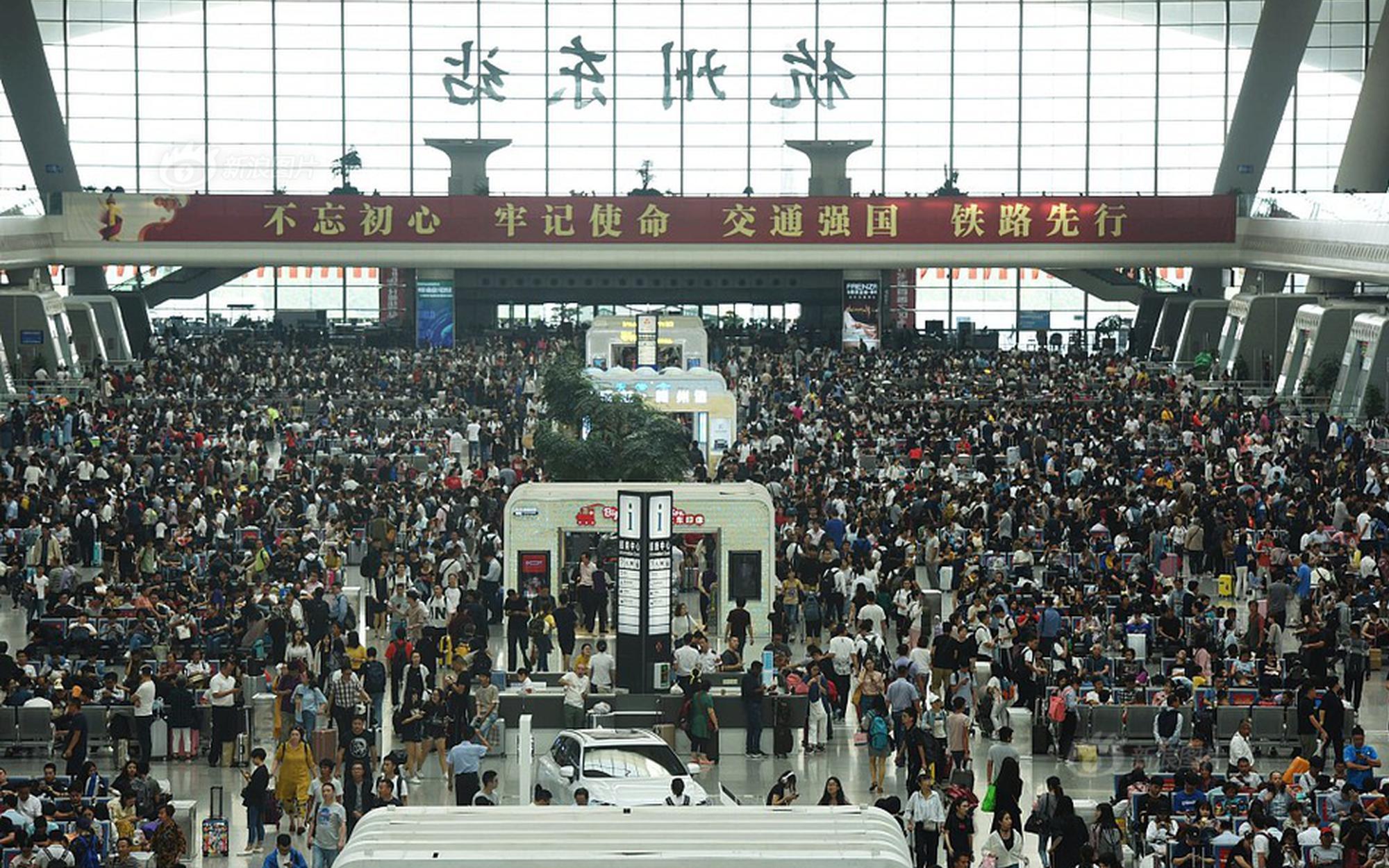 持续深化改革开放 推动海南自贸港建设