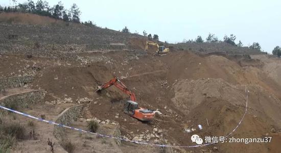 ▲2017年1月,桐庐警方在桐庐县瑶琳镇大庙村敖岭山找到王海涛的遗体。警方供图