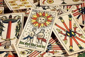 塔罗占卜狮子座新月12星座感情提示8.11-9.9
