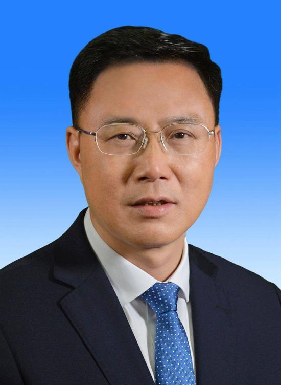 余先河当选为四川省泸州市人民政府市长
