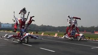 印度举行大阅兵 开挂摩托方阵又来了