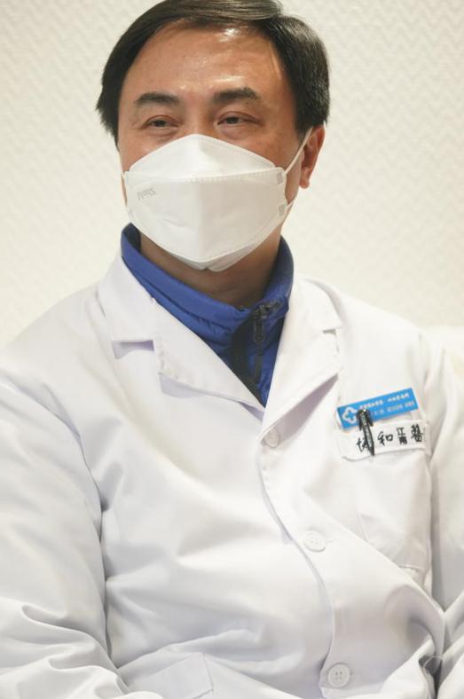 """""""血浆疗法""""第一位患者出院 治疗前血液中无抗体图片"""