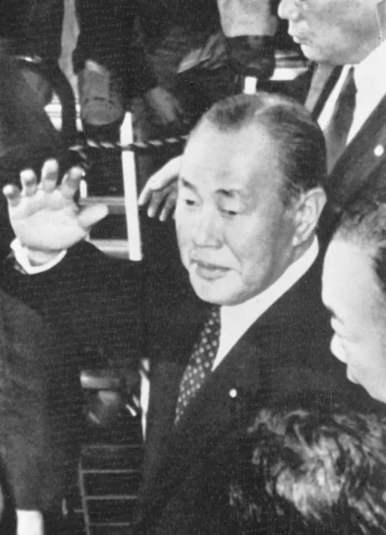 图为1982年所摄田中角荣。(新华社发)