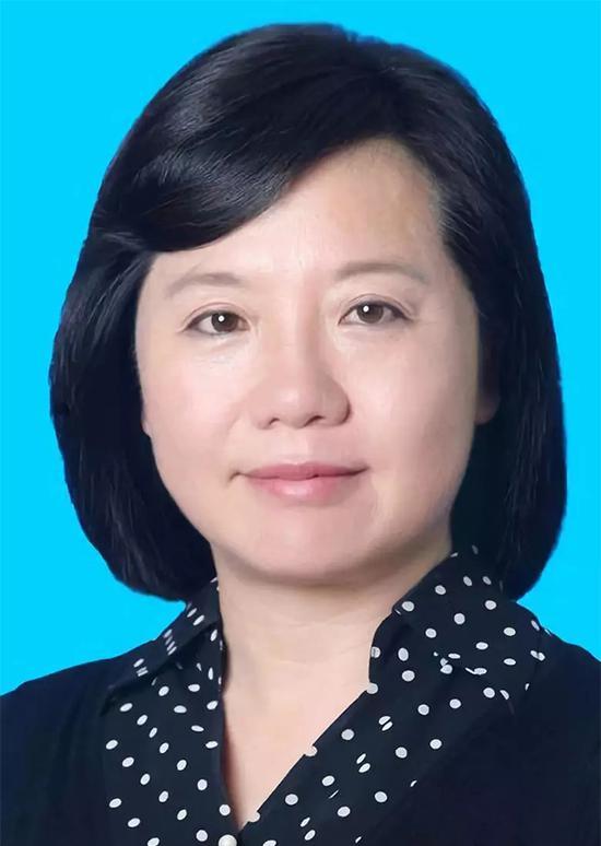 """</div> <p>  </p> <p>  朱桂云,女,汉族,1966年3月出生,山东临邑人,1984年8月参加工作,1993年9月加入中国共产党,研究生学历,法学博士。</p> <p>  1981.09</p> <p>  1984.07</p> <p>  1984.08</p> <p>  1986.09</p> <p>  1988.07</p> <p>  1990.05</p> <p>  1994.03</p> <p>  1996.12</p> <p>  1997.06</p> <p>  2002.05</p> <p>  2004.02</p> <p>  2006.05</p> <p>  2007.03</p> <p>  2008.07</p> <p>  2011.10</p> <p>  2012.02</p> <p>  2013.11</p> <p>  2014.12</p> <p>  2016.06</p> <p>  2016.12</p> <p>  2017.09</p> <p>  2018.01</p> <p>  2018.06起 贵州贵安新区党工委委员、书记</p> <p>  来源:微信公号""""动静贵州""""</p>       <p class="""