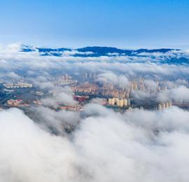 航拍江西南昌平流雾景观 城市宛如天空之城