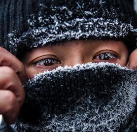 内蒙古锡林郭勒:寒冬中的调车人