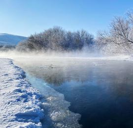 """内蒙古额尔古纳""""不冻河"""" 冬日里的童话世界"""