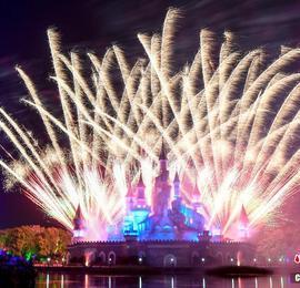 湖南株洲举行城堡烟花秀