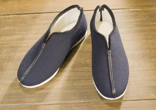 老布鞋裹着母亲的爱和温暖