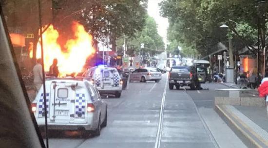 视频 澳大利亚墨尔本持刀伤人事件致2死2伤  警