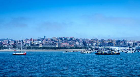 ▲青岛海滩 图片来源:摄图网