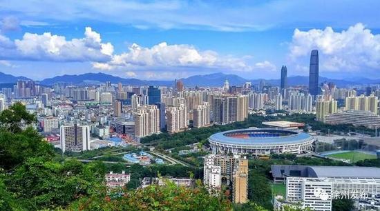 改革开放带来中国经济复苏腾飞,深圳是其中最具样本意义的代表之一。