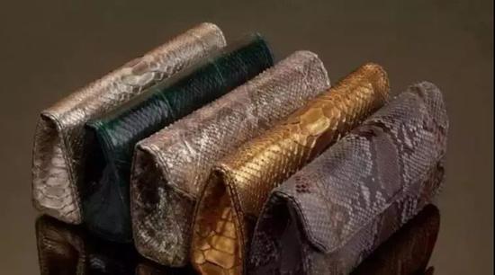 △瑞玛创建的奢侈品牌Baraboux的包。