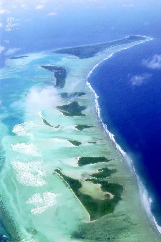▲拉穆环礁(维基百科)
