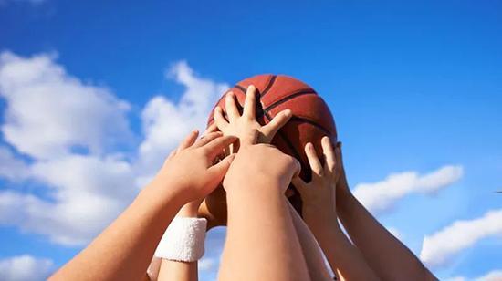小学生抱怨空气污染预警太慢:篮球赛临时被取消