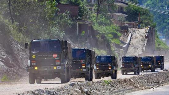 这是在吓唬谁?印度媒体称印军山地战部队已经拉响最高警报图片
