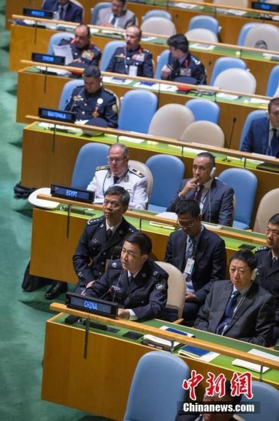 当地时间6月21日,联合国第二届警察首脑峰会在纽约联合国总部举行,中国公安部常务副部长王小洪发言。中新社记者 廖攀 摄