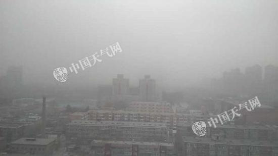 北京发布今年首个沙尘蓝色预警 PM10浓度已超1000