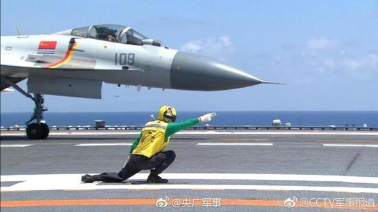 视频:歼-15如何从辽宁舰起飞?央视记者直击全程