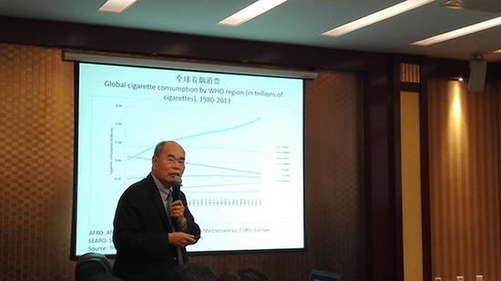 原卫生部特聘外籍卫生经济学家胡德伟。本文图片 受访者 供图