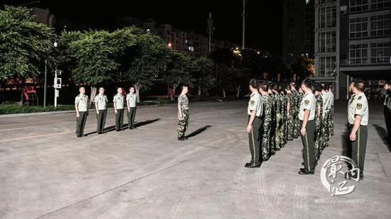 ▲内江消防支队官兵