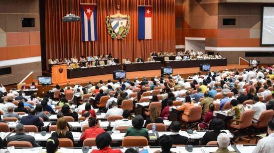 古巴新宪法草案将于下周交由全国人民政权代表大会进行投票,并于下半年进行公民投票。(图片来源:BBC)