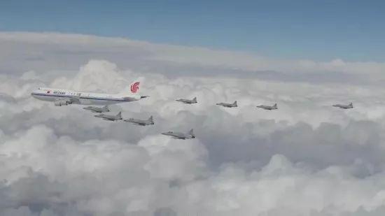 △巴基斯坦飞行员拍下战机为习近平主席专机护航全景