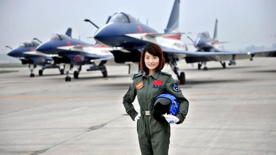 视频:致敬英雄 空军歼-10飞行员余旭的华彩人生