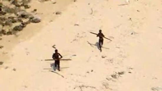 游客闯小岛遭原住民箭雨射杀 警察营救也遭驱赶