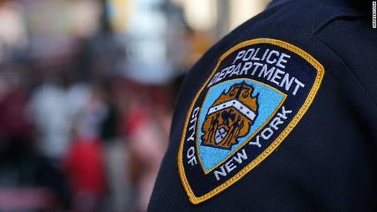 纽约警圆称塞缪我·萨巴蒂诺面对进室偷盗战严重偷盗功的控告。(图源:CNN)