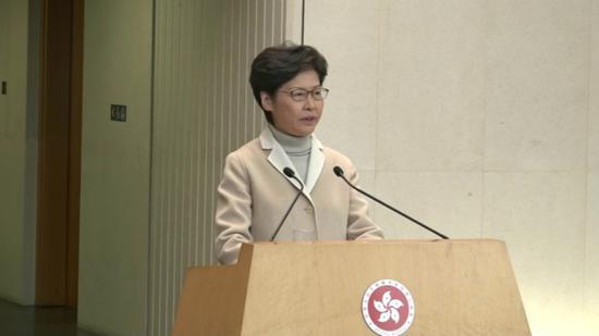 林郑本周六赴京述职 四个字回应港初等法院遭放火
